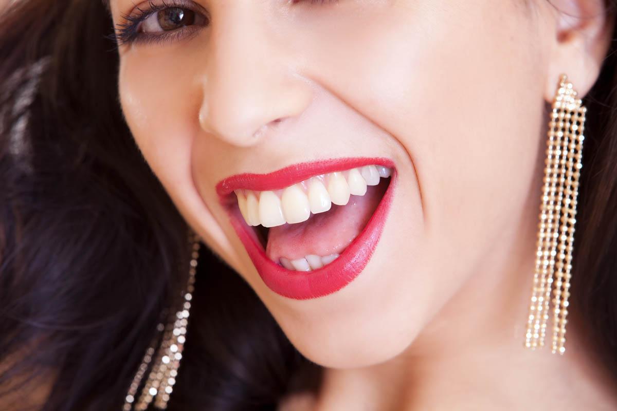 Blitzeblanke Zähne – Jetzt zum Probierpreis!