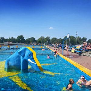 Schwimmbad öffnet am Samstag