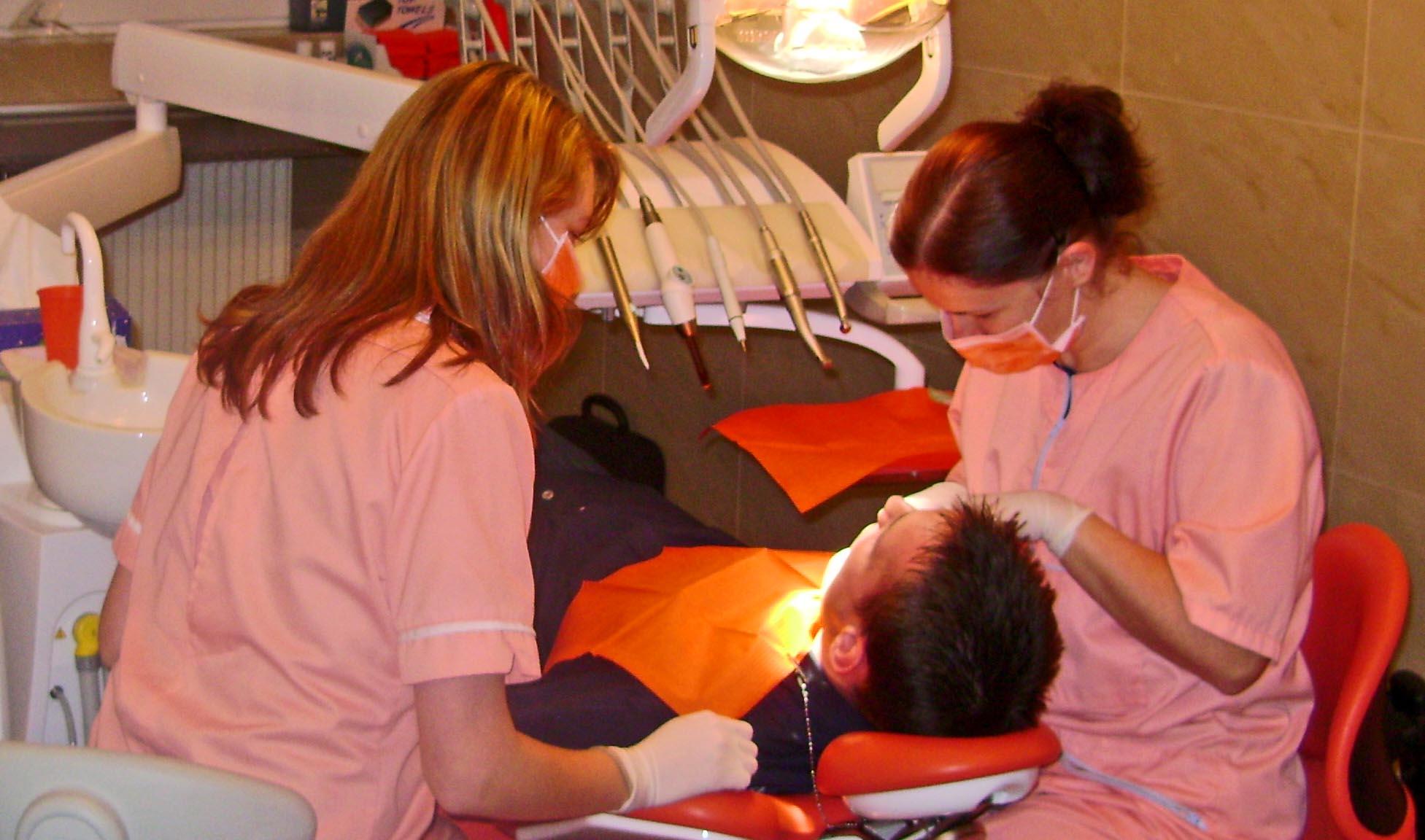 Zahnklinik wieder geöffnet