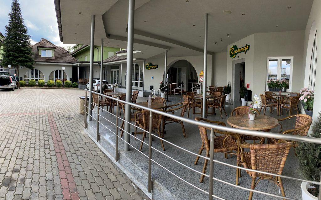 Restaurant-Terrasse geöffnet